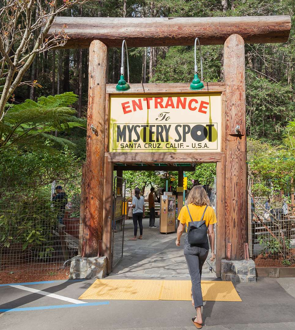 EXCITING SANTA CRUZ ATTRACTIONS ARE MINUTES AWAY