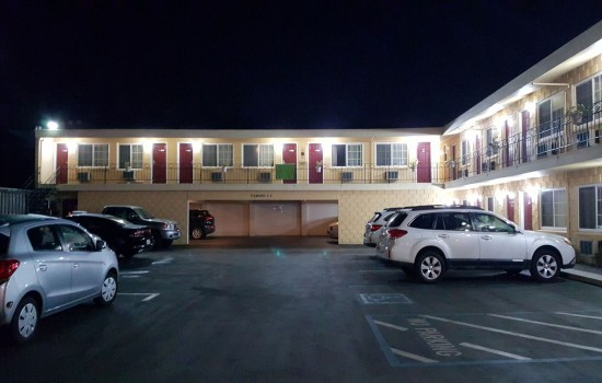 Welcome To The Islander Motel - Complimentary Self-Parking